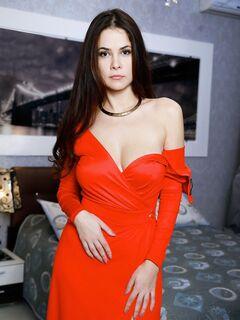 Нежная девушка сняв платье светит дойки и попку - фото