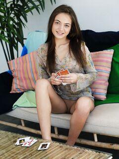 Худощавая девка с красивым телом - фото