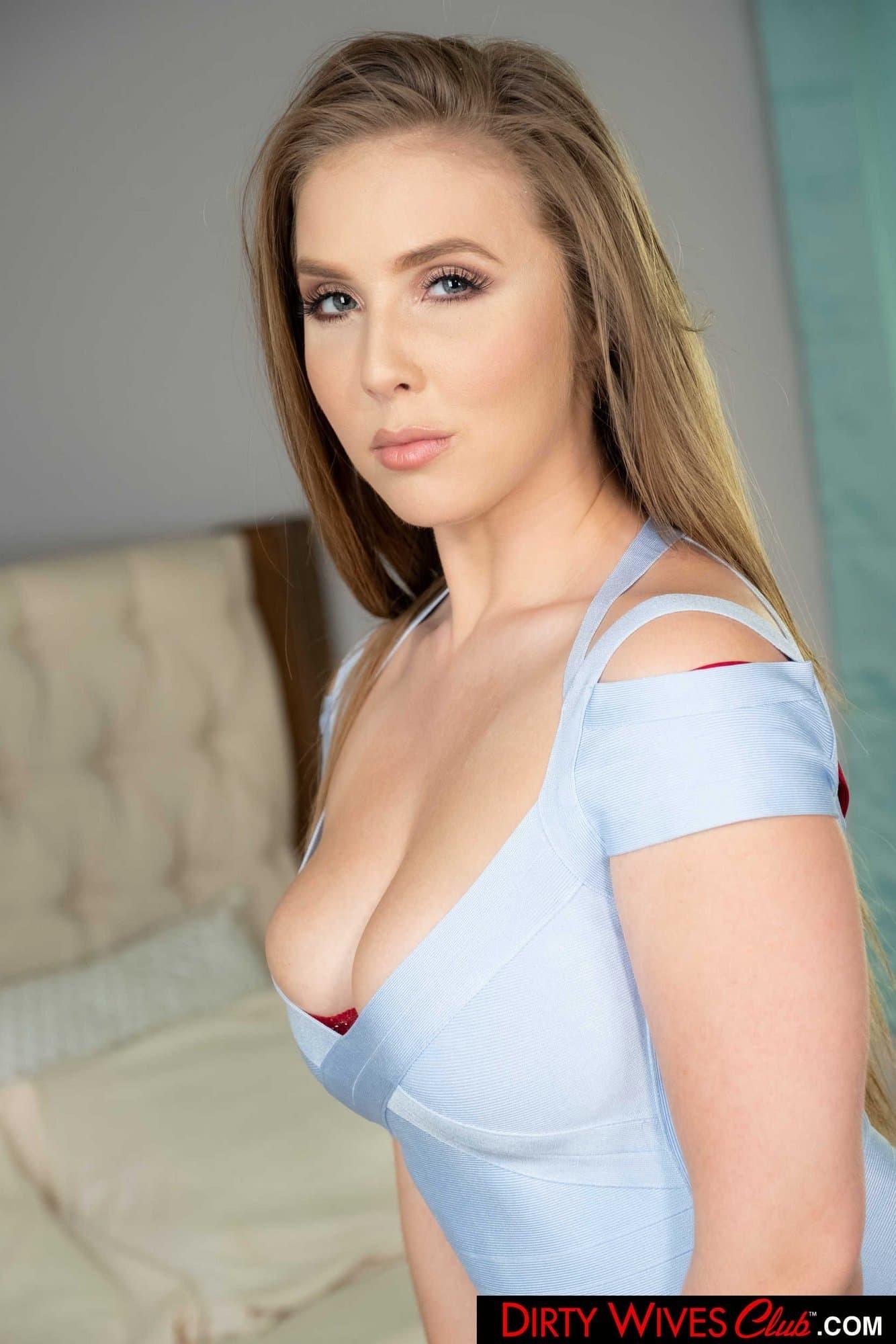Сексуальная девушка с большой жопой - фото